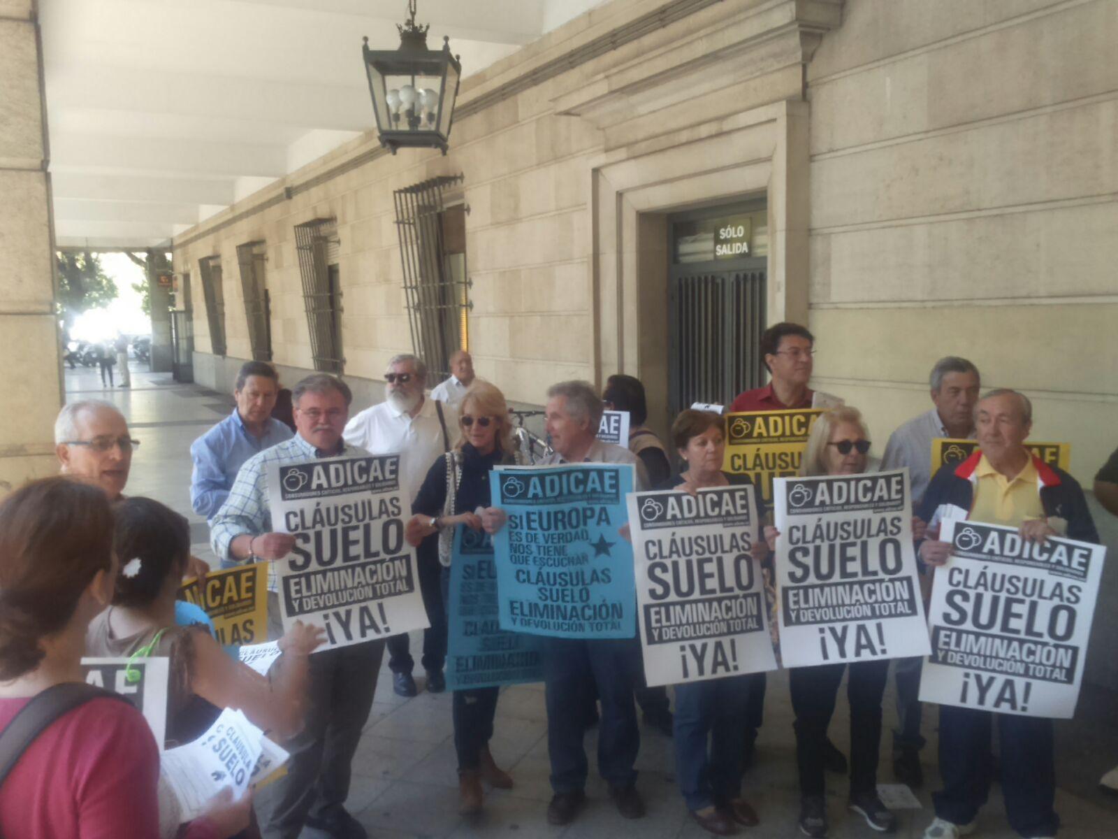 Sevilla capital contra la cláusula suelo 26_04_2016