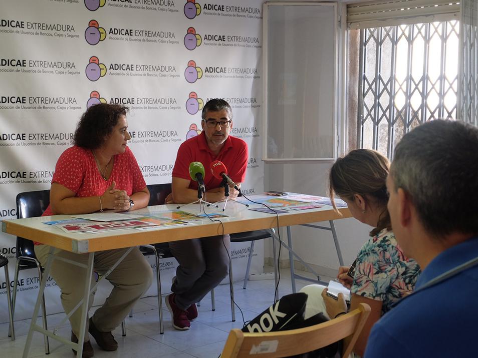 Rueda de Prensa con motivo de la 1ª Marcha Solidaria de los Consumidores en Extremadura en colaboración con ADMO y su magnífica labor.