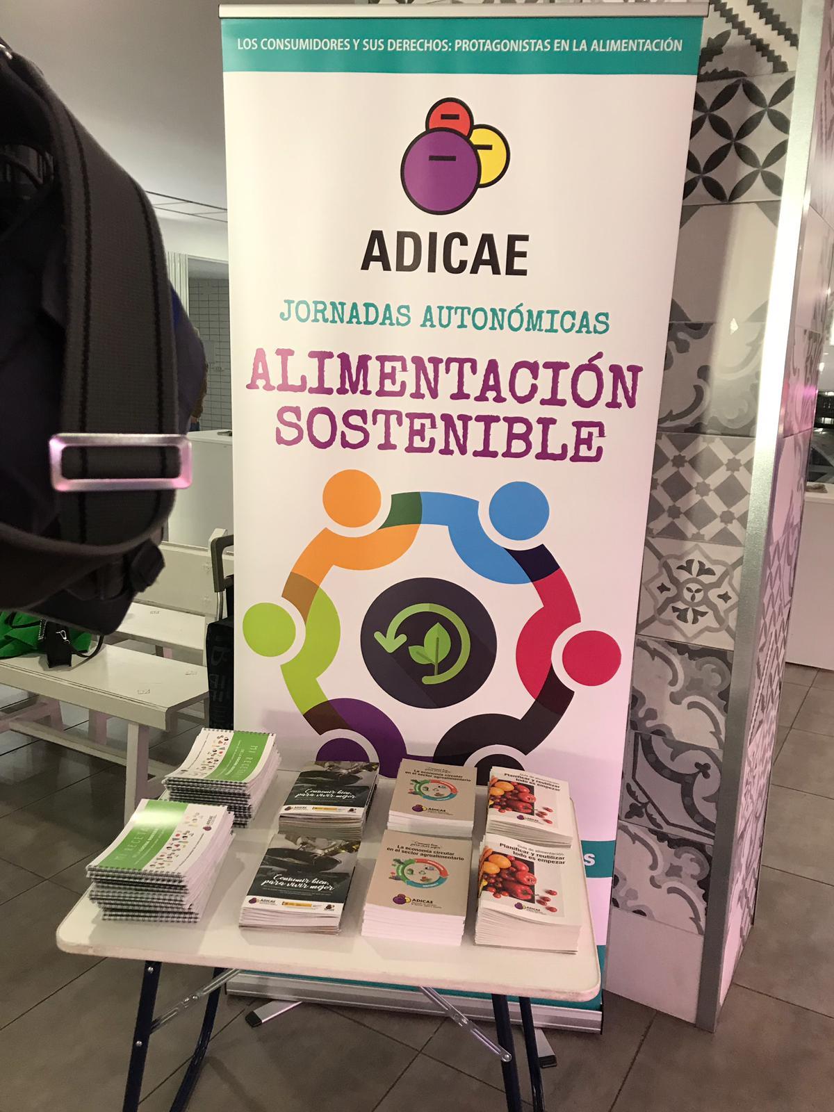 Presentación de materiales de Alimentación sostenible en el Mercado de Abastos en Cáceres II