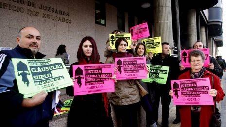 Concentración diante dos Xulgados o pasado 11 de decembro en Vigo por unha axilización das demandas de cláusulas suelo