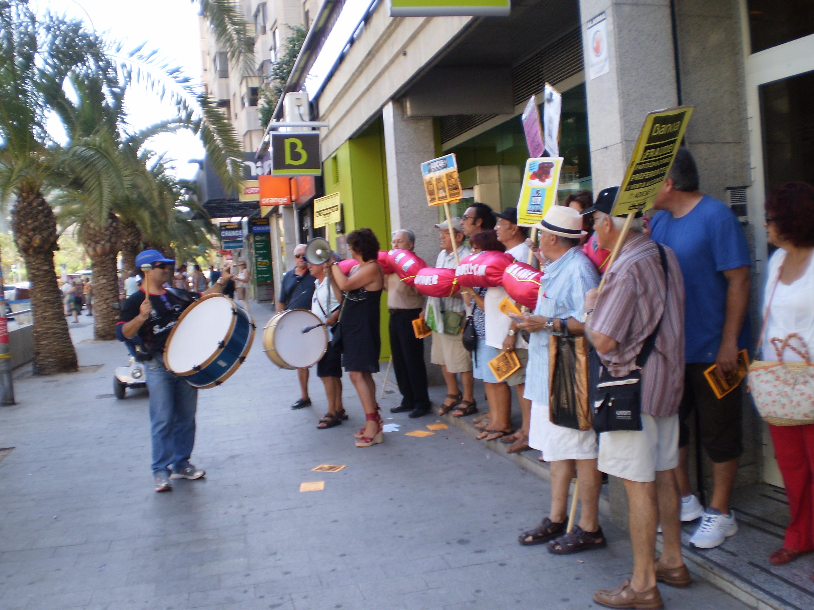 Toque a la Banca Alicante. 25 de julio de 2013
