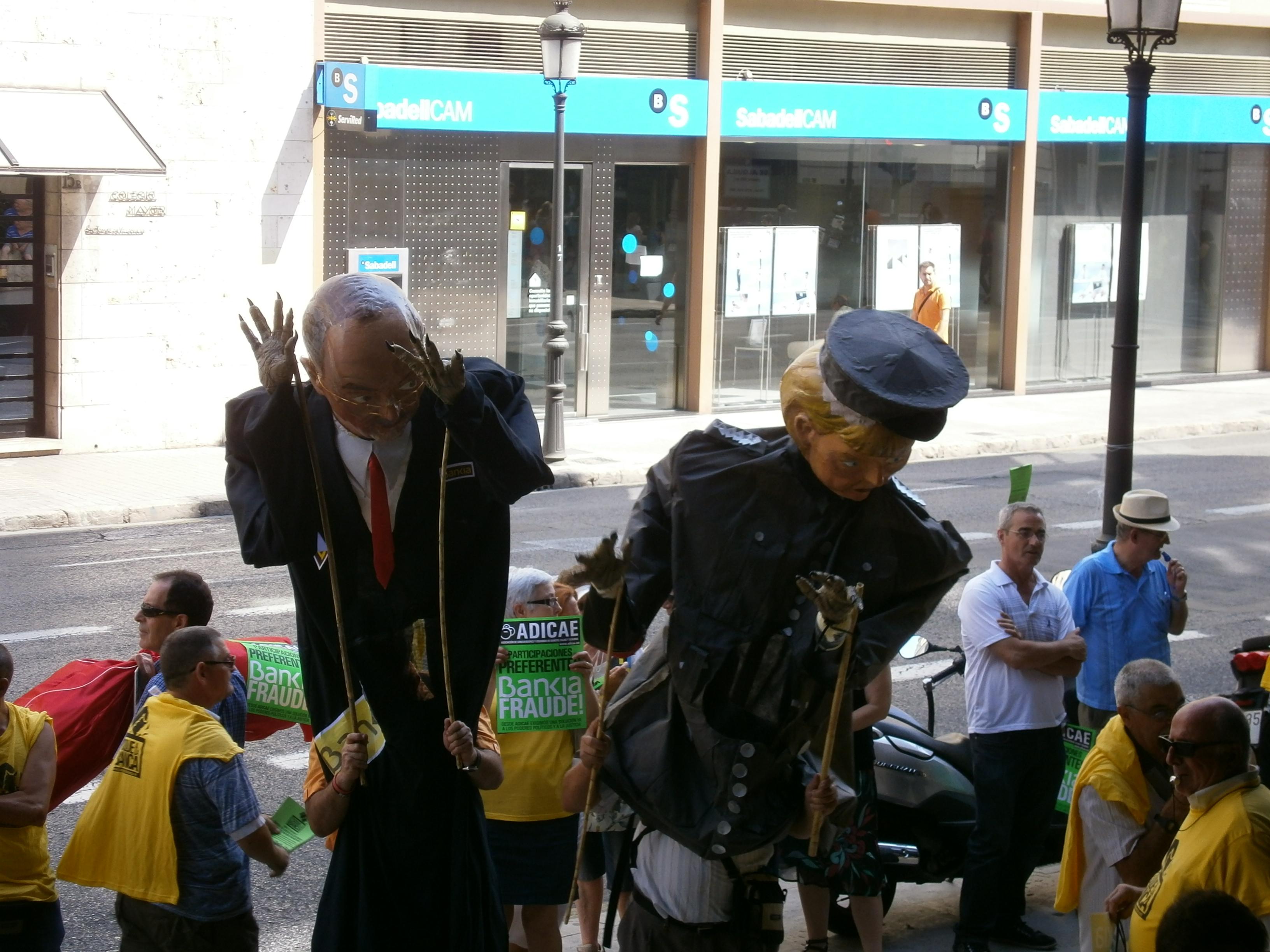 Toque a la Banca Valencia. 18 de julio de 2013