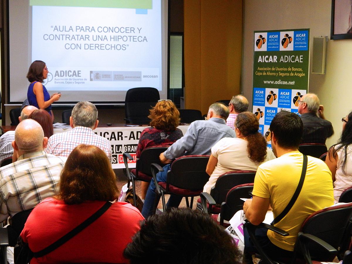 Taller hipotecario en AICAR ADICAE para explicar todo lo que necesitamos saber para contratar una hipoteca sin perder de vista nuestros derechos