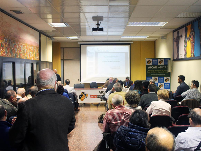 La asociación ofreció las claves que debes saber sobre planes de pensiones y los principales productos de ahorro a largo plazo de la mano de Luis Ferruz, Catedrático de de Economía Financiera de La Universidad de Zaragoza.