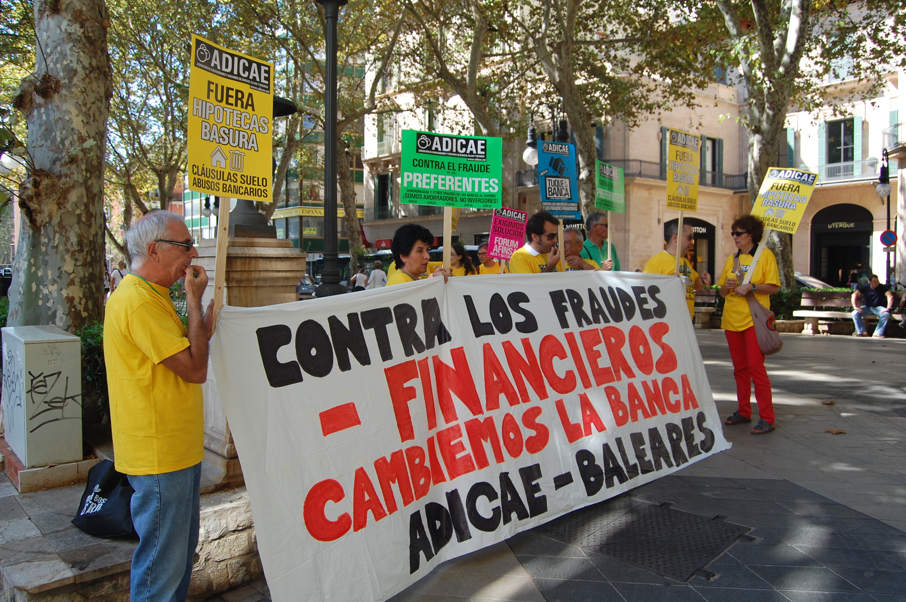 Movilización contra los fraudes financieros.